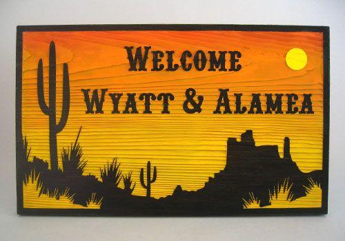開拓が困難なほどのアメリカの荒々しい砂漠地帯に、たくましく生きるサボテンや草木や遠くに見えるビュートを映し出しながら、沈み行く太陽を描いたデザイン。 #西部劇 #ウェルカムボード #wood  #sign #wedding #western