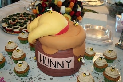 Dylan's shower - Winnie the Pooh/Hunny pot cake