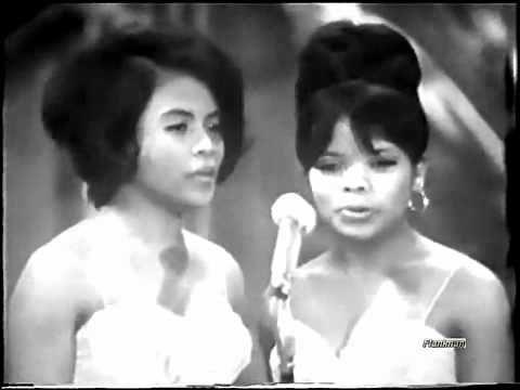 ♫ Les Surfs ♪ In Un Fiore (1966) ♫ Video & Audio Restaurati - YouTube
