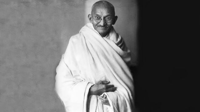 Lawyer Biography: Life History of Mahatma Gandhi http://www.lawyerfacts.biz/2013/06/lawyer-biography-life-history-of.html