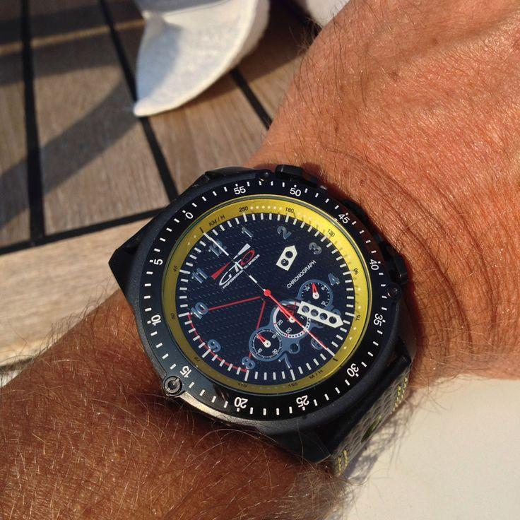 les 25 meilleures id es de la cat gorie montres de sport sur pinterest belles montres montres. Black Bedroom Furniture Sets. Home Design Ideas
