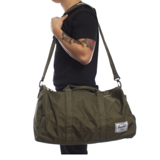 7aac88b21f0e3 Herschel duffle bag