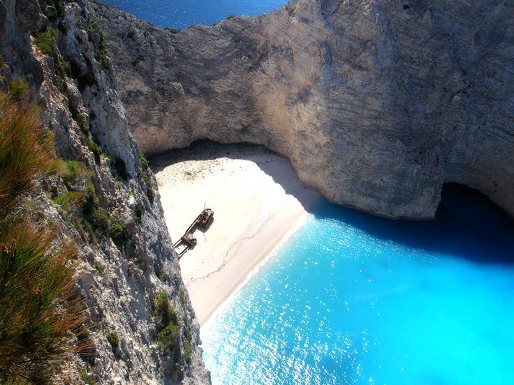 ザキントス島、ナヴァイオ・ビーチ、ザキントス島ツアー、ザキントス島のナヴァイオ・ビーチツアー、シップ・レック・ビーチ