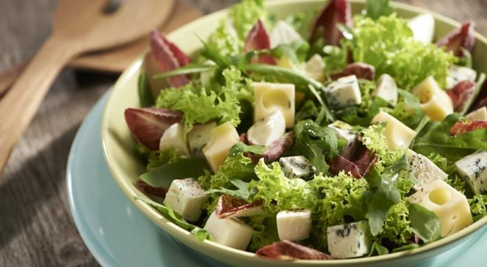 Salata de branzeturi asortate