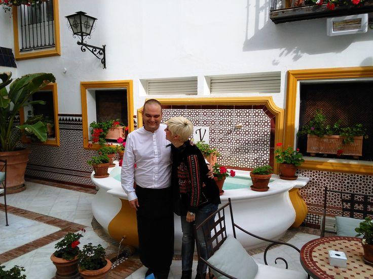 """El pasado fin de semana, en Vincci La Rábida 4* #Sevilla hemos contado con una compañía de excepción. Pasión Vega, la solista malagueña creadora de aquella """"princesa de los cabellos de oro y la boca de fresa"""", se ha alojado con nosotros. ¡Gracias!  #PasionVega #VincciLaRabida #Andalucia #VincciHoteles #VincciHotels"""