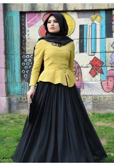Cute outfit http://www.annahariri.com/en/skirts/black-tutu.html