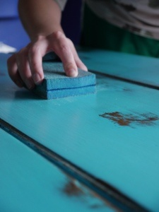 DIY-Distressed Turquoise Coffee Table... Pin now read later, kitchen table color :)