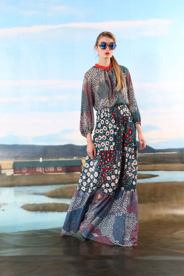 http://www.vogue.com/fashion-shows/pre-fall-2016/tsumori-chisato/slideshow/collection
