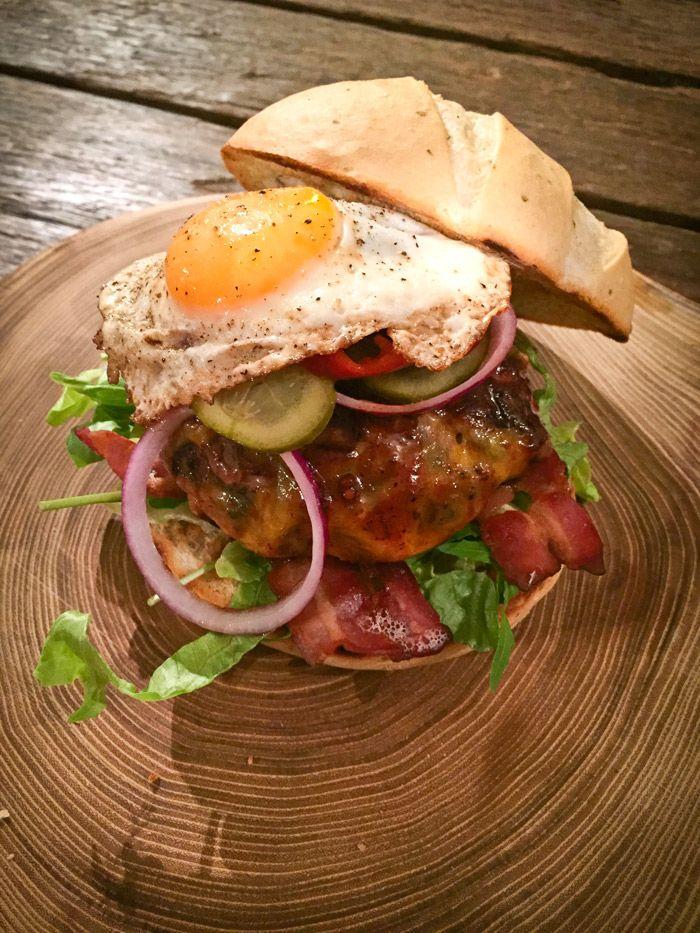De Bemelburger van Richard Bemelmans is de ultieme hamburger. Dit is meer een bouwbeschrijving dan een recept.