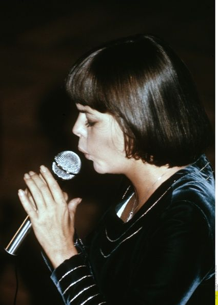 Mireille Mathieu Pictures and Photos | Getty Images