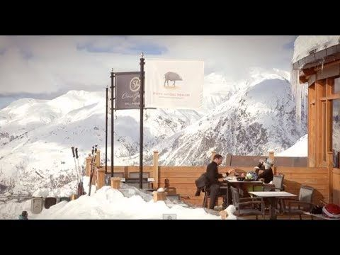 Cinco Jotas fusiona la gastronomía con los deportes de invierno. La prestigiosa estación de esquí de #BaqueiraBeret tiene, a partir de este temporada 2013-14, una parada obligatoria: #CincoJotas Grill #Baqueira.