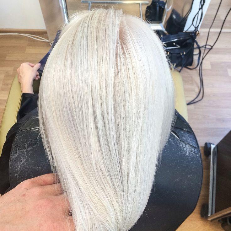 Ice cold blonde! #velvetkampaamot #velvettöölö #blondehair #blonde