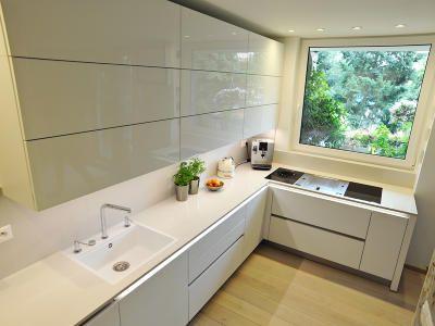 Realizace kuchyně a obývacího pokoje bytu v panelovém domě