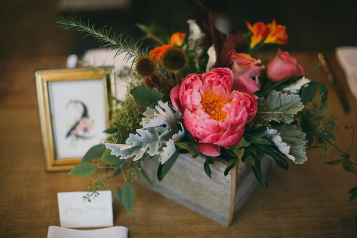Whether you want to craft floral masterpieces, make simple arrangements look fab or go flower-free, we've got the DIY for you.