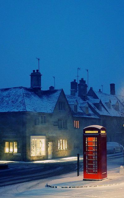 Chipping Campden is a small market town in the Cotswold district of Gloucestershire, England. It is notable for its elegant terraced High Street, dating from the 14th century to the 17th century. - by Andrew Lockie