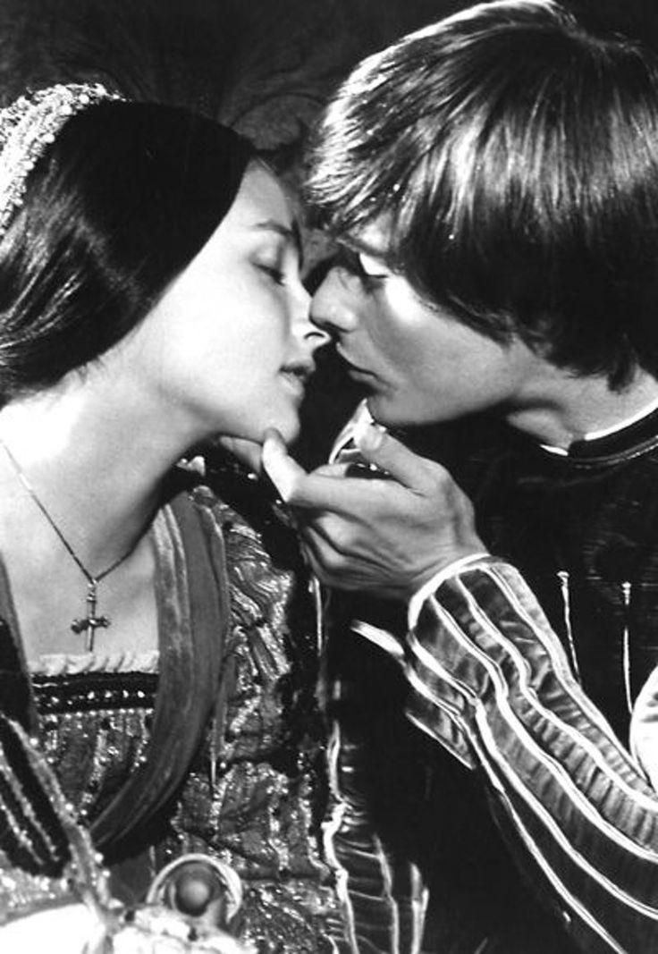 Roméo et Juliette -  de Franco Zeffirelli,1968.    Quelle musique !
