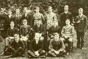 Lawrence back row, right at the City of Oxford High School for Boys Sixth Form (1907) Photo by T.E. Lawrence.