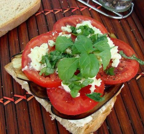 Un sandviș savuros pentru o alimentație echilibrată. Descoperă mai multe rețete: http://www.nutricia.ro/parinti/alaptarea/delicios-si-sanatos