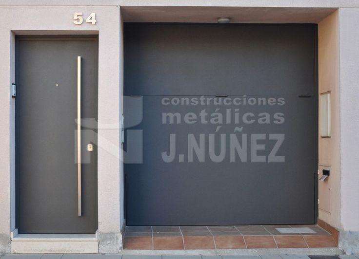 Puerta exterior met lica puertas pinterest front for Puerta metalica exterior