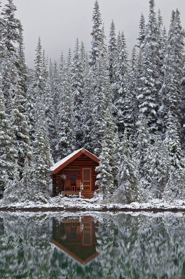 Cabin on Lake O'Hara, Alberta, Canada.