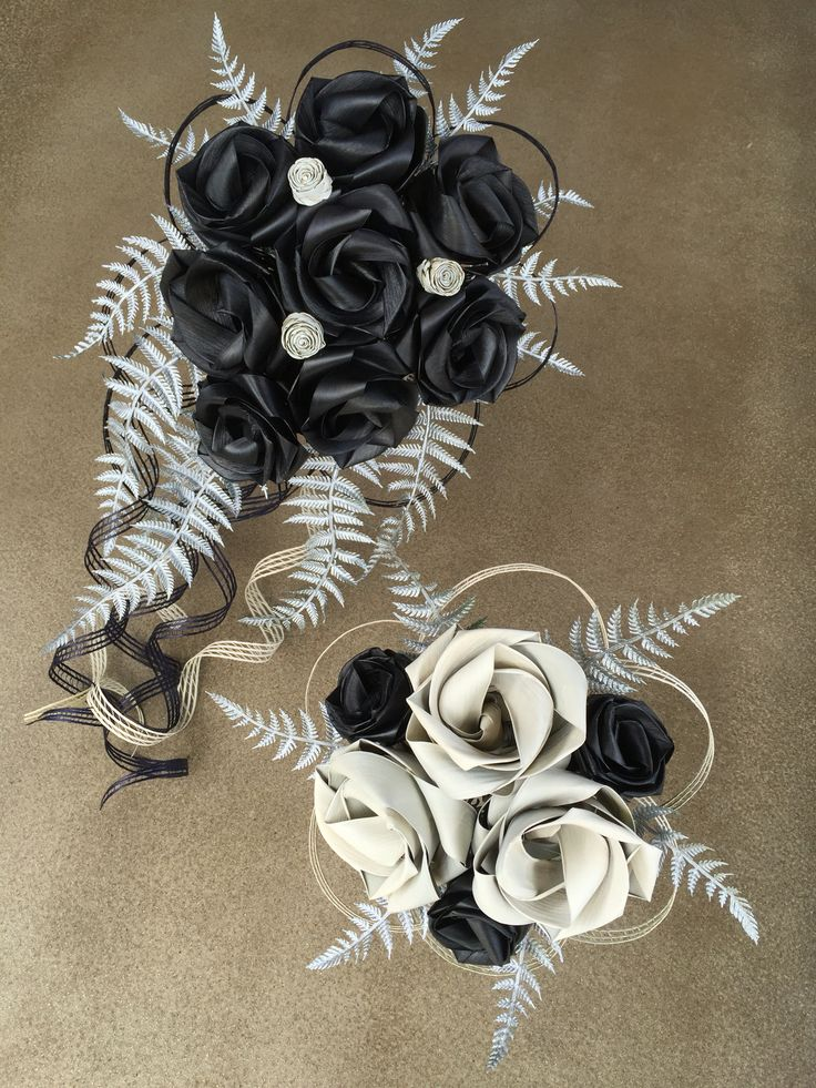 Black and white bouquets by Flaxation