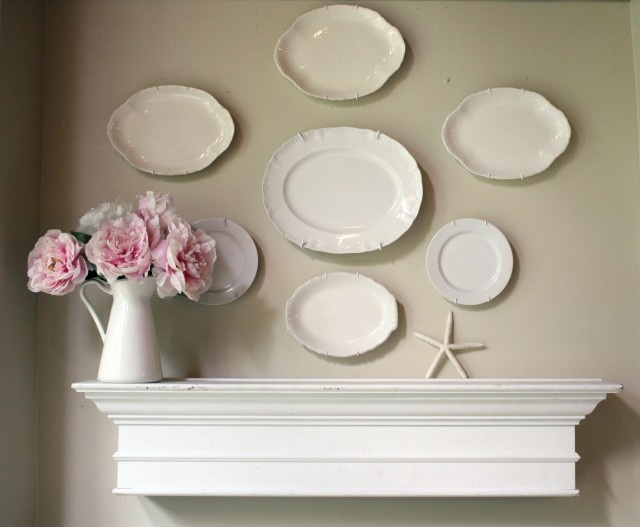 Loving plates hung on the wall
