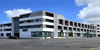 28/332 Great North Road, Grey Lynn. Suburbia Scare You? This apartment is frighteningly good. Set back of the road within the complex, this two level executive lifestyle space will impress.