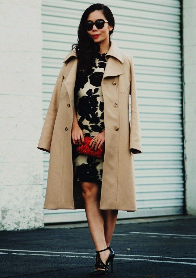 12.13 christmas in my city (Reiss camel coat + Reiss floral dress + Reiss heels + Reiss red mini clutch)