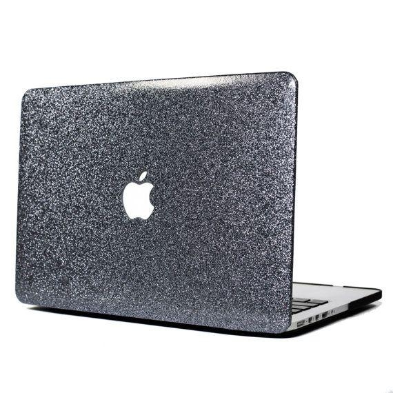 Espacio gris brillo Macbook caso (lisa)  _____  * Seleccionar los tamaños disponibles para pre-pedido sólo y será enviado en 1 º de septiembre (todos los demás enviar dentro de 48 horas). Los tamaños de orden incluyen:  NUEVA 13 Macbook Pro (modelos A1706 / A1708) NUEVO 15 Macbook Pro con huecas (modelo A1707)  _____  D E T A I L S + Diseño dos piezas que es fácil de ajustar y apaga su ordenador portátil  + Viene con un fondo negro  + Apple corte permite logo brillar  + Liso elegante tex...