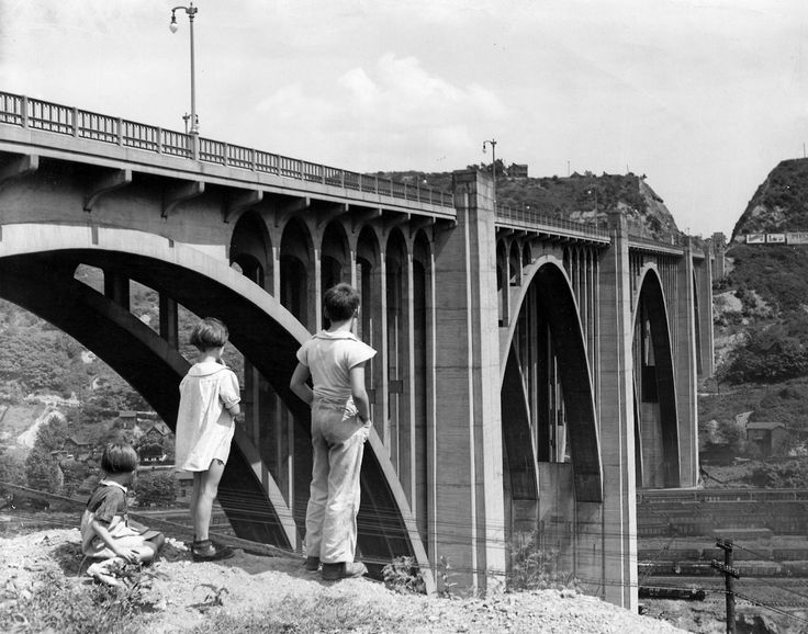 1932: The George Westinghouse Bridge, Pittsburgh's engineering marvel We at the Digs have always appreciated the grand splendor of the George Westinghouse Bridge, but until we examined an envelope of...