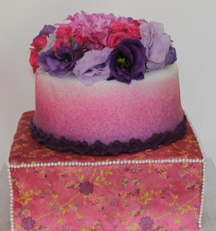 Floral Fantasy Cake Like us at www.facebook.com/melianndesigns