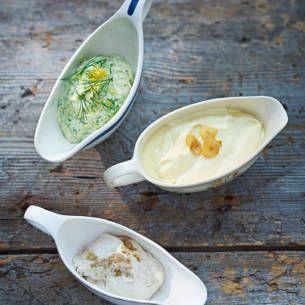 Aioli - det går snabbt att göra din egna. Chiliaioli och limeaioli i all ära, här är ett recept på klassisk. Använd vitlök och dijonsenap-till fisk och soppa.