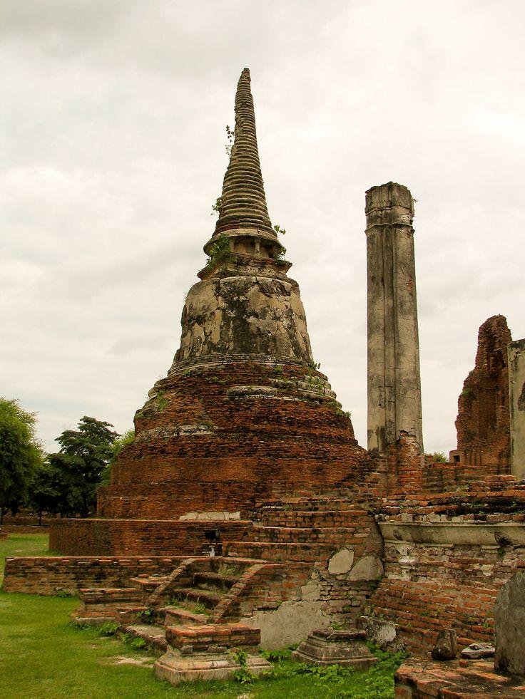 The AncientThai ruins of Ayutthaya