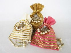 gorgeous custom made indian wedding favors and packaging Kavya creations