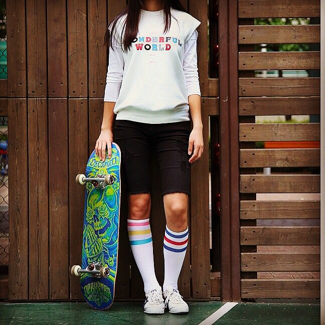 MEHYSOCKS  www.mehysocks.com Socks for women with board