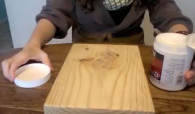 DIY: Se hva hun lager med et familiebilde og ei trefjøl, det blir helt unikt!