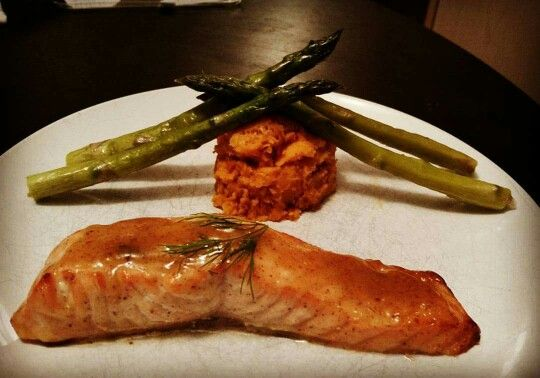 Honey-mustard glazed organic salmon with fresh dill, mashed sweet potatoes and steamed asparagus.