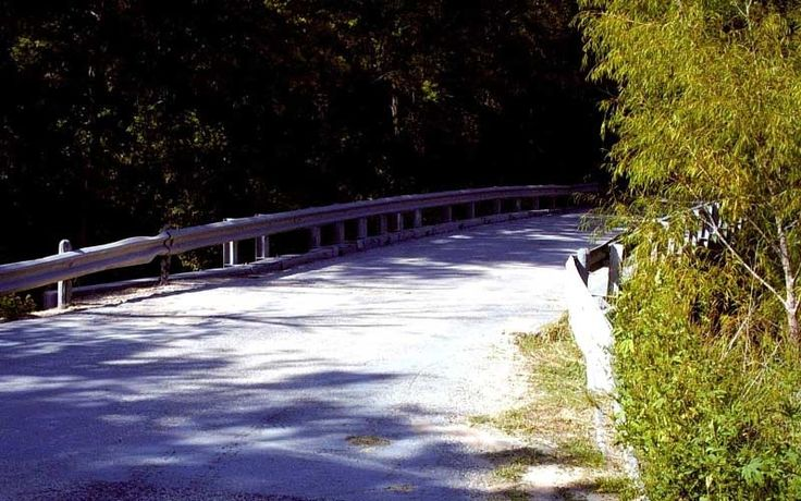 The Donkey Lady Bridge in San Antonio is one of the most famous haunted places in Texas that isn't a tourist spot. People are genuinely convinced of the evil under this bridge.