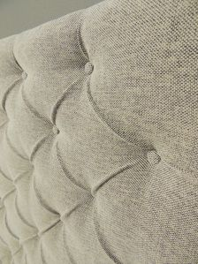 BEST TUTORIAL SO FAR: How to make a tufted upholstered headboard with fabric buttons with NO sewing!