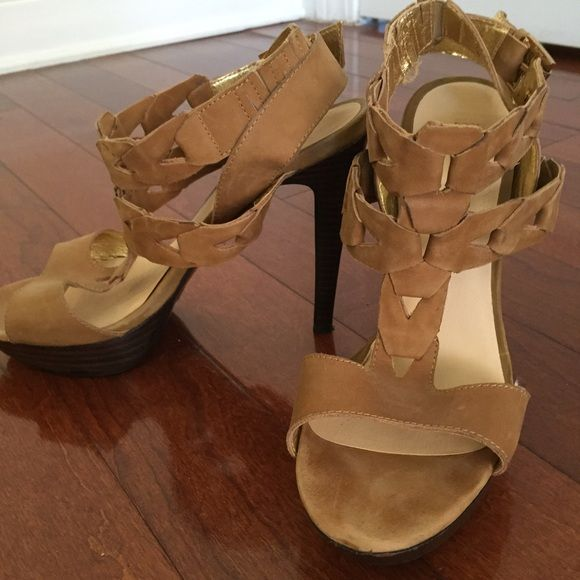 """Platform suede beige shoes Amazingly comfortable!   Suede material  HEELS  - 4.5"""" (1 inch in the front/platform).  Great for jeans, pants, going out & looking fab! Statement shoe! Makes any outfit   Good condition (sore maybe a total of 5-7 times at most) Wild Pair Shoes Platforms"""