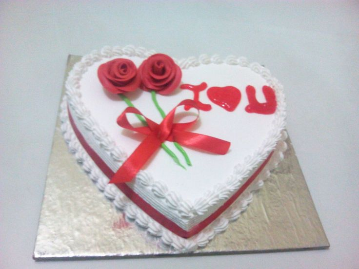 Planning to order an anniversary cake for a lovely couple you know? Obviously, you may have already considered placing an order online for the cake. And why wouldn't you? Ordering online has its own share of benefits.