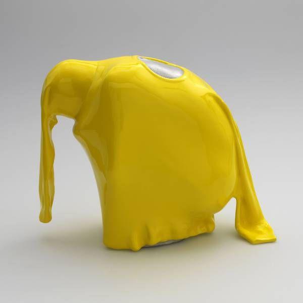 Berlin Art Week: me Collectors Room: Erwin Wurm: man hiding in pullover (59 Stellungen), 2011, Edition 15