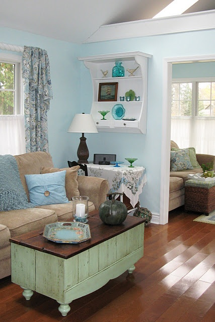 repaint the coffee table like this with a darker green