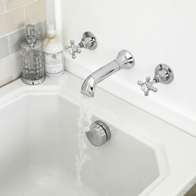 The Old London wall mounted bath tap set will add traditional charm to any bathroom