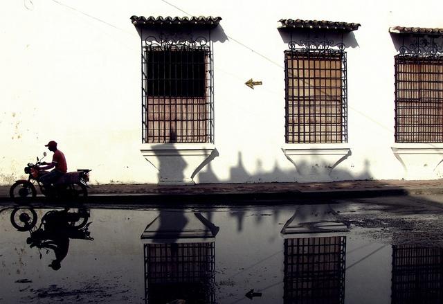 Escena cotidiana en Mompox by Haceme un 14, via Flickr