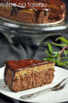 Kawowo-czekoladowy smak - kto nie lubi? Kolory ma zupełnie jesienne, ciepłe, dobrze współgrają z kocem w kratkę. Znów mam sernik na śniadani...