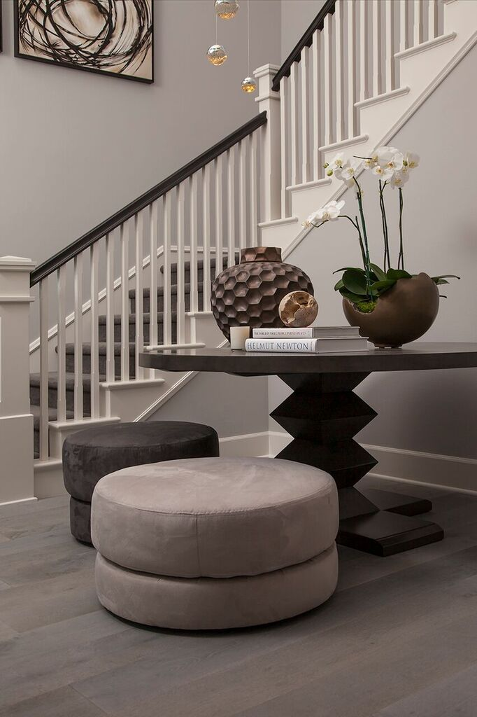 Foyer | Staircase