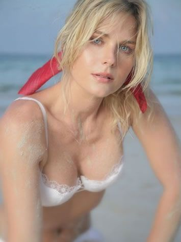 sonya smith speaking english