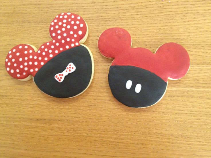 Minnie and Mickey Mouse cookies from http://mrsfoxssweets.blogspot.com.au/2012/02/mickey-minnie-mouse-cookies.html  ( I had a bit of a brain fart and did the colours upside-down).
