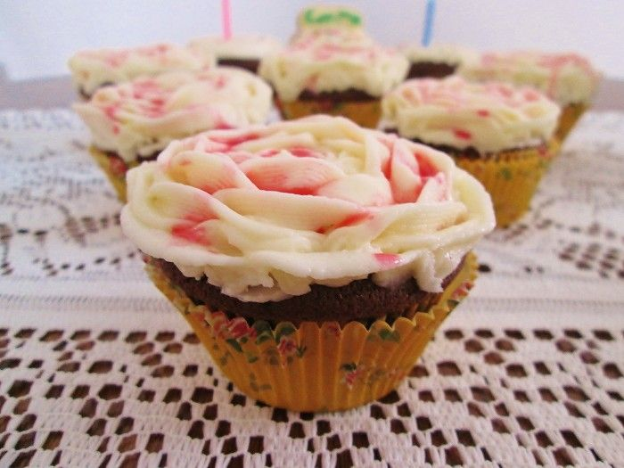The Queen of Hearts' Painted Rose Cupcakes - Alison's Wonderland Recipes